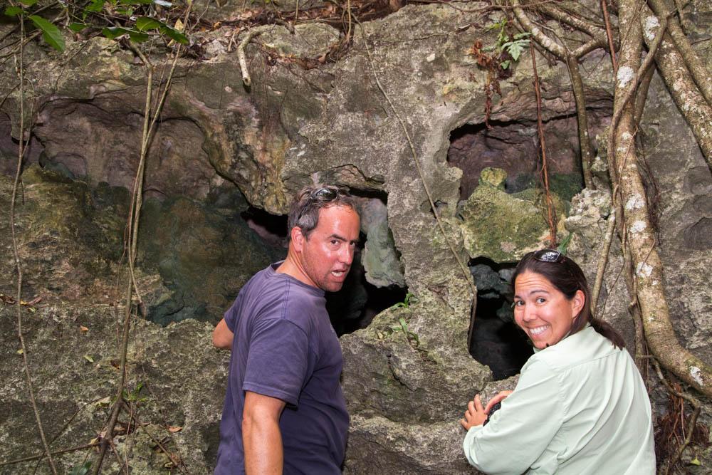 Christian and Doris looking at the bones